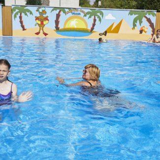 Camping Oase Praha - swimming pool